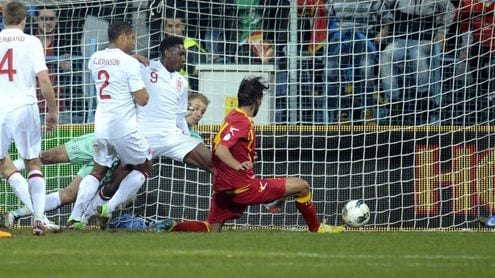 Damjanovic, en el momento de anotar el empate   FOOTBALL365.com