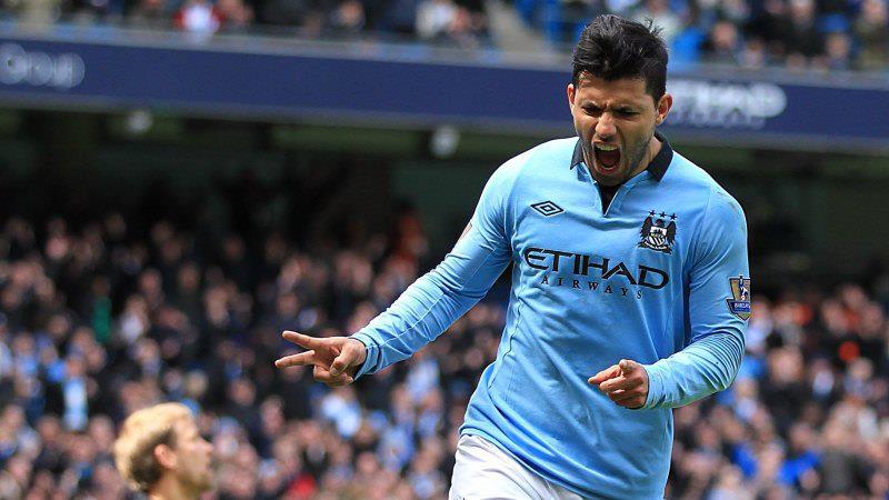 Agüero celebrando su gol.