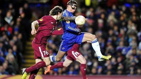 Torres mete medio pie en semifinales