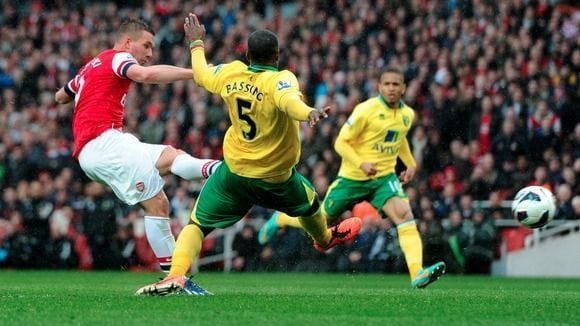 El Arsenal caza al Norwich en seis minutos