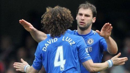Ivanovic-celebra-el-segundo-gol-con-David-Luiz