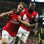 Ramsey y Sanogo celebran un gol en la ronda previa.