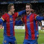 Jugadores del Basilea celebran el gol con el que eliminaron al Manchester United.