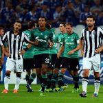 Schalke 04 durante la ronda previa de Champions League.