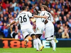Los jugadores del Swansea celebran uno de los goles   SPORTS MOLE