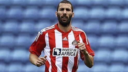 Carlos Cuéllar con la camiseta del Sunderland