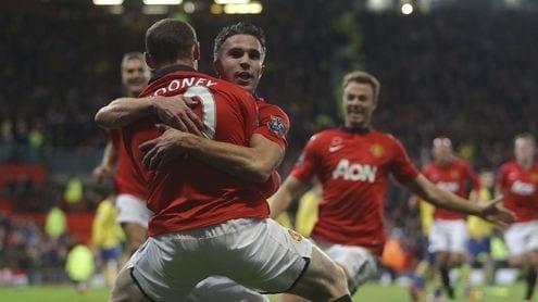 Van Persie celebra con Rooney el 1-0
