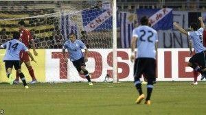 Los jugadores de Uruguay celebran uno de los cinco goles conseguido ante Jordania.