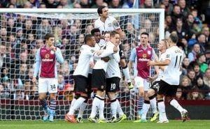 El United se aprovecha de los errores de Aston Villa para acabar goleando