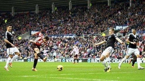 Fabio Borini anota el primer tanto para el Sunderland   theguardian.com