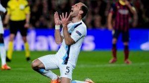 El City naufraga en Barcelona y se despide de la Champions