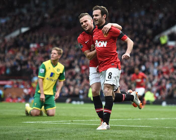El nuevo Manchester United de Ryan Giggs fulmina al Norwich