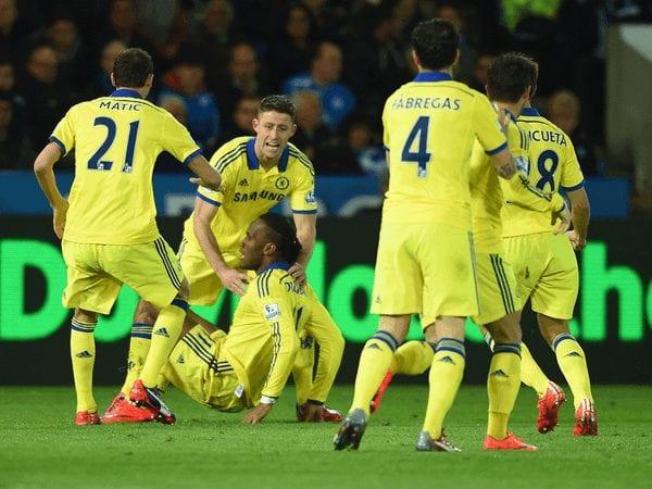 El Chelsea acaricia el título tras ganar al Leicester City