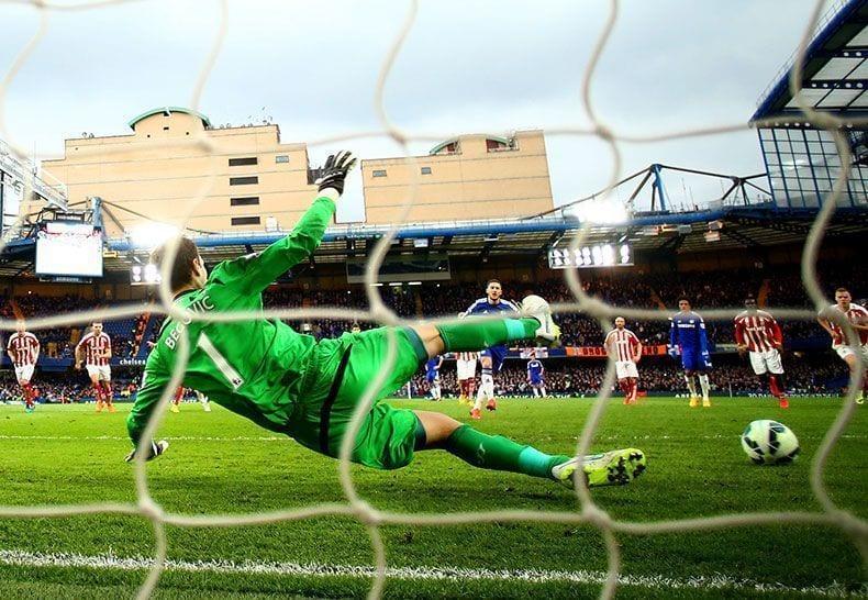 El Chelsea, segundo equipo de la Premier en marcar 100 goles de penalti