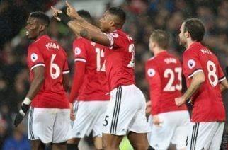 El United recorta distancias gracias al Stoke