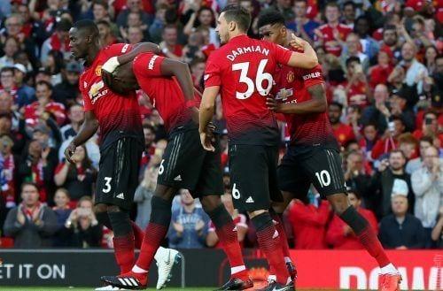 El Manchester United vence, pero no convence